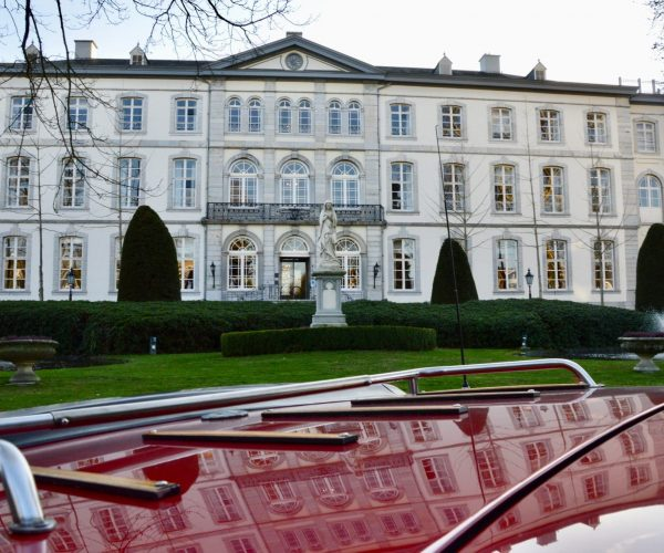 Bloemendal met achterklep Alfa Romeo